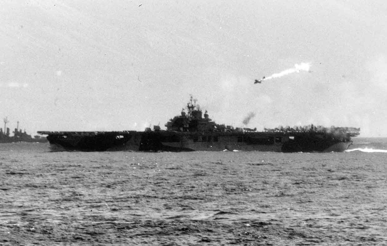 kamikaze-atatck-on-uss-essex-2