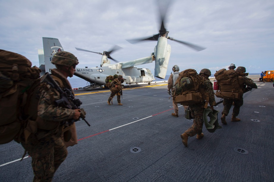 Marines boarding Ospreys